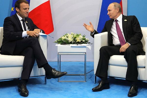 Путин попросил Макрона поддержать инициативуРФ омиротворцах ООН— Кремль