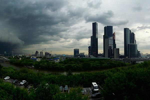 На Москву надвигается гроза и дождь – в Росгидромете поведали об ухудшении погоды сегодня