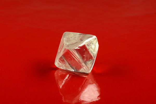Ученые извлекли из мантии Земли алмазы, содержащие в себе уникальный лед