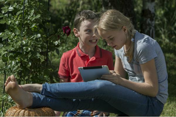ESET: 44% школьников в РФ сутками проводят время вweb-сети