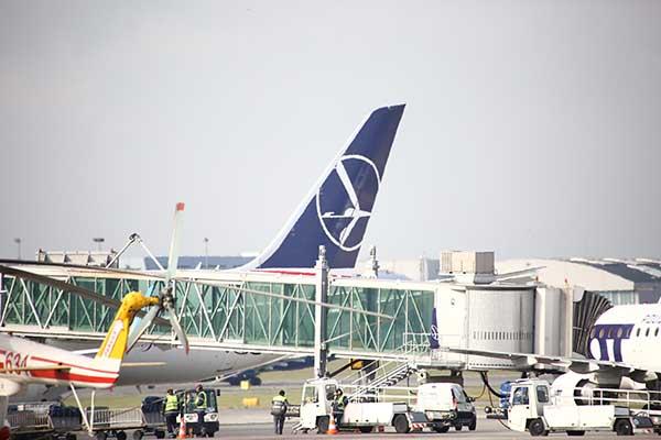 Изаэропорта Таллина из-за сообщения обугрозе взрыва эвакуировали пассажиров иперсонал