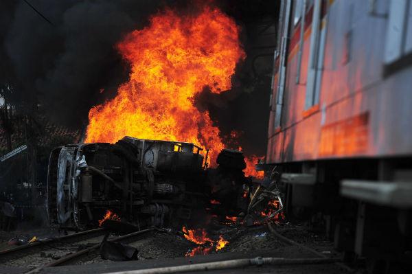 YouTube ВИДЕО: столкновения электрички споездом в столице России