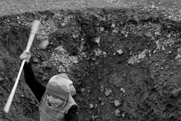 ВНижнем Тагиле девушку затянуло вяму сглиной