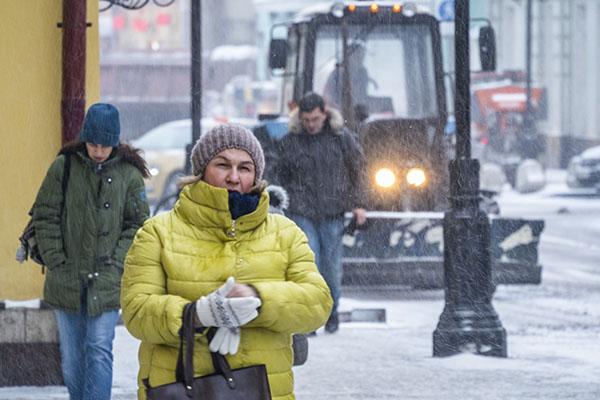 В столицеРФ идет самый мощнейший снегопад запоследние 70 лет
