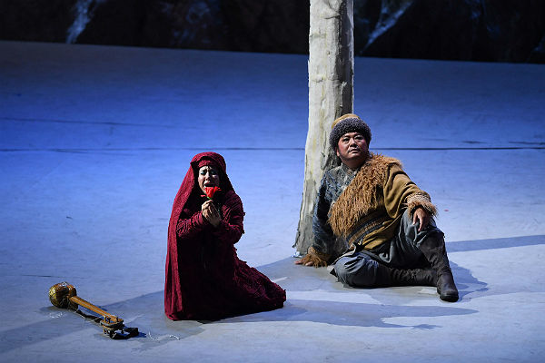 Народная артистка Китая рассказала петербуржцам о пекинской опере