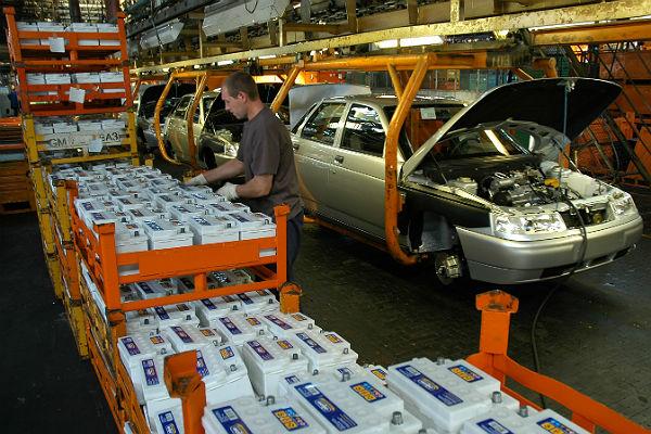 Медведев знает, как увеличить спрос намодели «АвтоВАЗа»