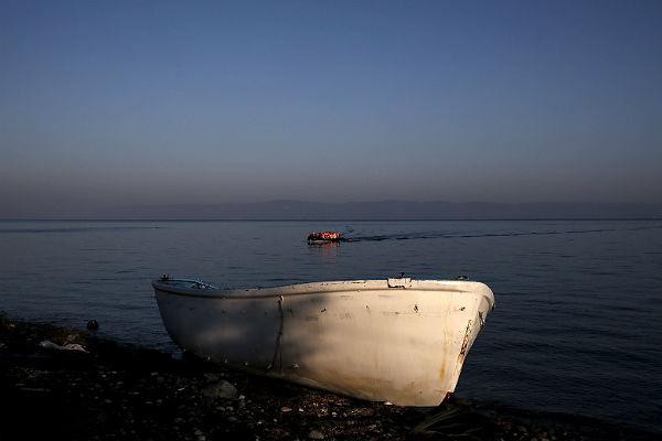 Около Турции затонула лодка смигрантами, неменее десятка погибших