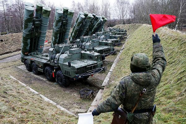 ВКрыму заступил надежурство третий дивизион ЗРК С-400 «Триумф»