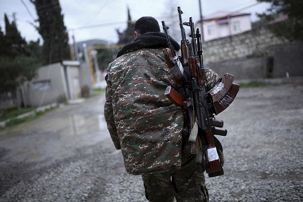 Азербайджан иНагорный Карабах объявили опрекращении огня с12:00