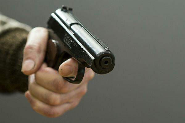 Один человек умер, двое ранены в итоге стрельбы наавтозаправке вПодмосковье