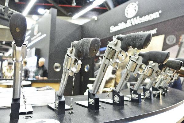 Производитель оружия Smith & Wesson сменит название после 164 лет работы