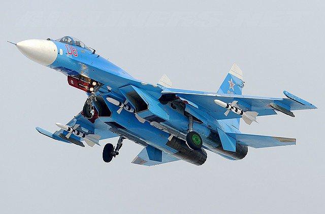 фото истребитель су-27