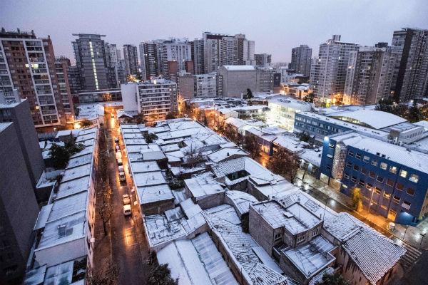 ВЧили из-за снегопада без света остались неменее 200 000 покупателей