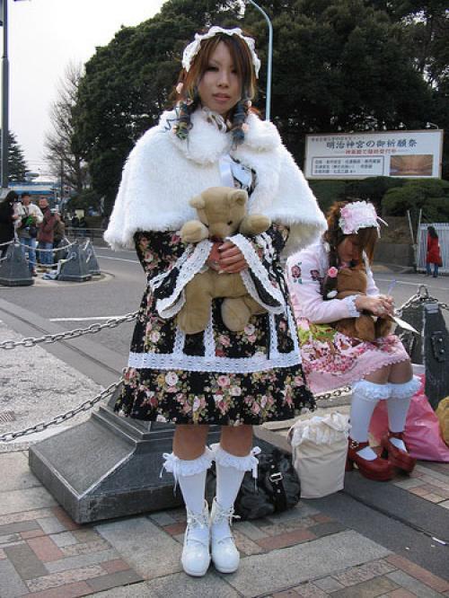 Подборка фотографий, изображающих молодежную моду в Японии. Не