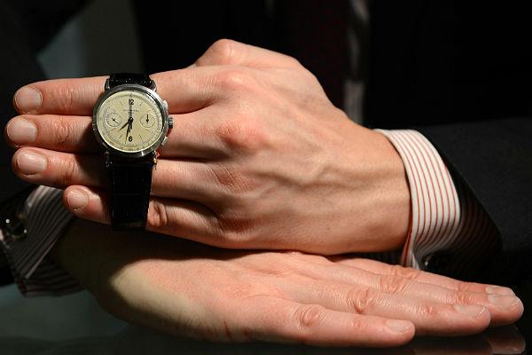 ВМонако наторгах проданы «часы Путина» за млн. евро