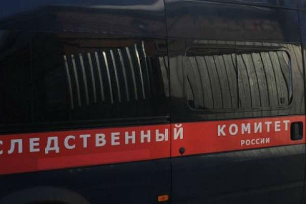 Выпускники московской школы обвинили директора вдомогательствах