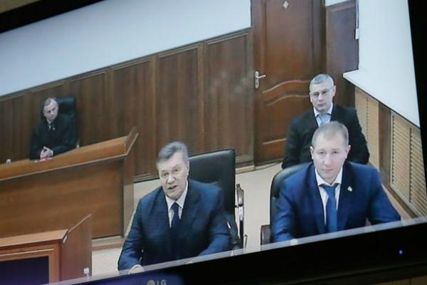 Янукович сказал, как его президентский лайнер пытались посадить истребители