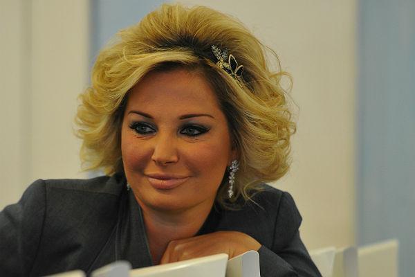 Эстрадная певица и бывший чиновник Государственной думы Максакова уволена изГнесинки