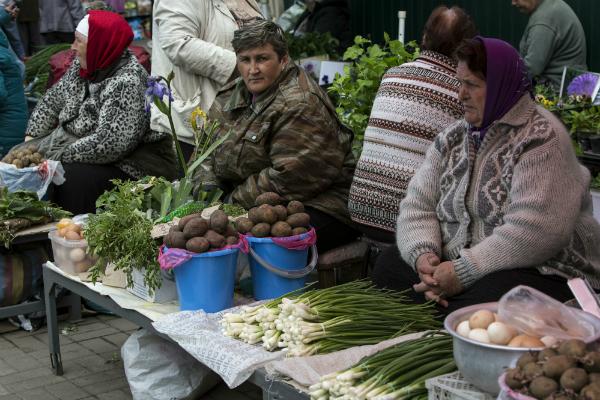 Треть жителей РФ из-за кризиса вернулись в90-е