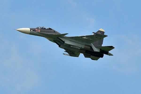 Русский Су-30 заставил самолет-разведчик США улететь прочь отграницРФ
