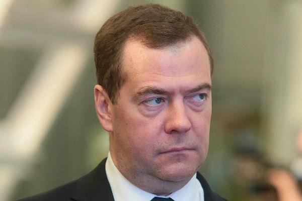 Медведев поручил подготовить продление ответных санкций доконца 2017-ого