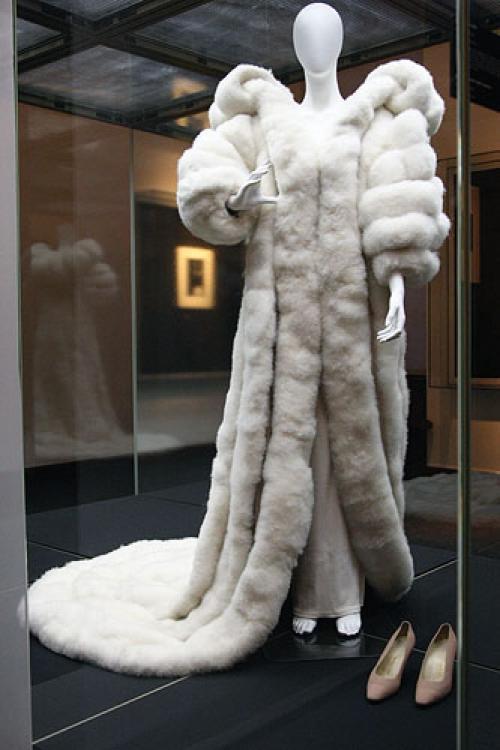 Какие вещи Вы можете назвать знаковыми для истории меховой моды?