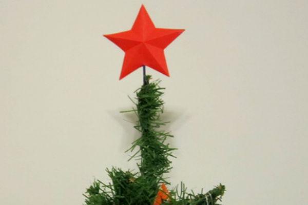Мэр литовского города потребовал снять сновогодней елки «советскую» звезду