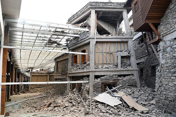 Более 45 тысяч туристов эвакуировали в Китае после землетрясения