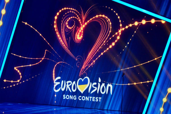 На «Евровидение» подала заявку рок-группа измужчин вплатьях инакаблуках