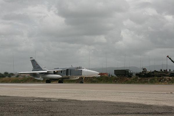 Генштаб поручил подавлять сотовую связь на русских базах вСирии