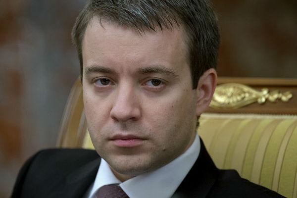 Глава Минкомсвязи хочет получать в 2,5 раза больше президента