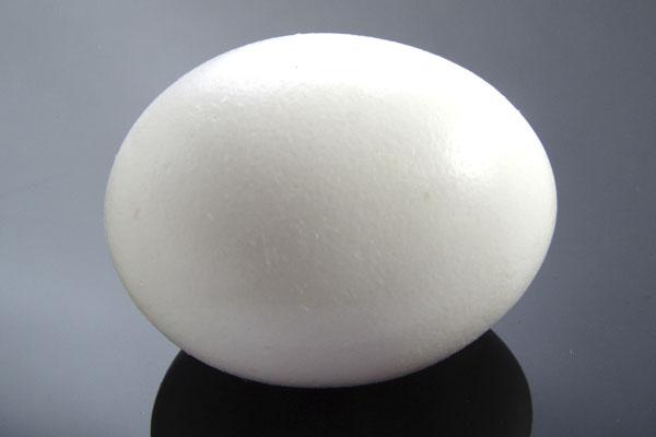 Как отличить вареное яйцо от сырого?