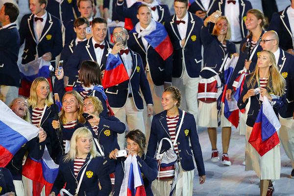 Уборщицу вРио подозревают восквернении русского флага
