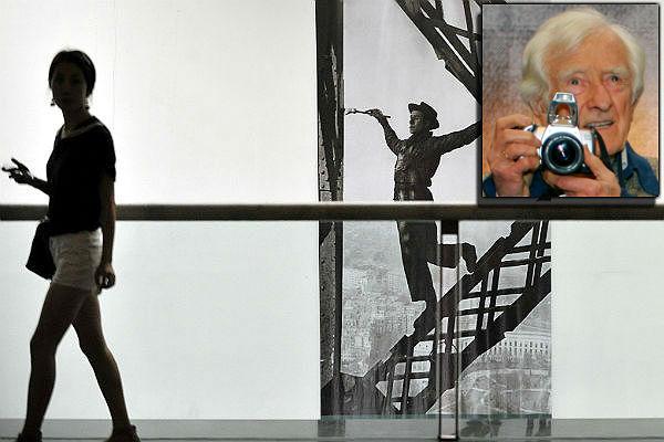 Скончался автор снимка «Маляр наЭйфелевой башне» Марк Рибу
