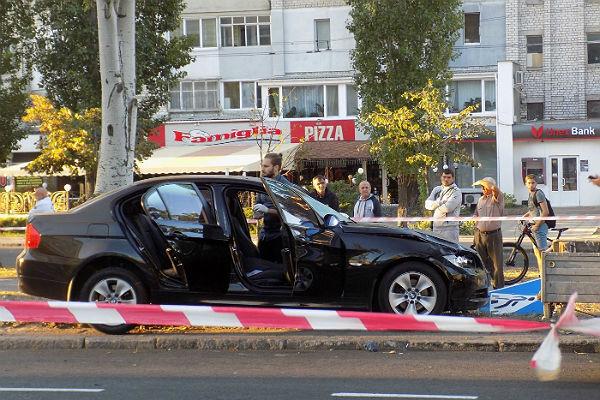 ВНиколаеве шофёр БМВ насмерть сбил четырех дорожников, наносивших разметку