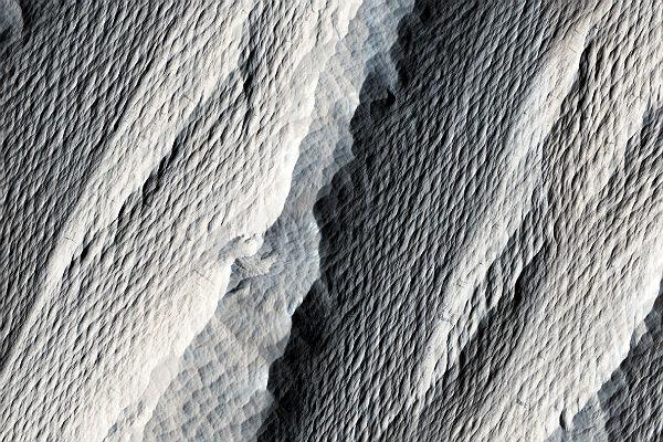 Под поверхностью Красной планеты таится немалое ледяное море