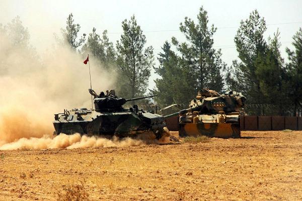 Турция при помощи США вторглась насевер Сирии