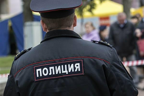 Под Брянском таможенники задержали граждан России скрупной партией оружия
