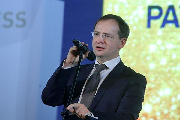Минобрнауки поддержало предложение Мединского ввести исследование истории русского кино вшколе