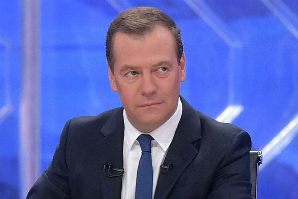 Медведев прокомментировал решение МОК оботстранении спортсменовРФ