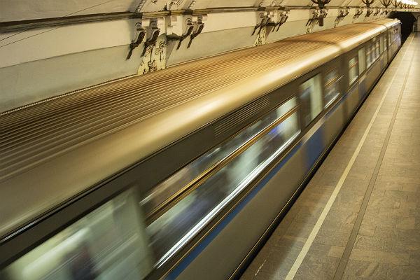 Человек упал напути на«зеленой» ветке метро столицы
