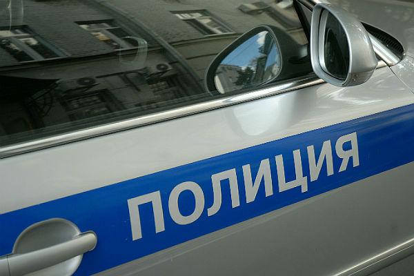 Милиция начала проверку после сожжения украинского государственного желто-голубого флага в столице России