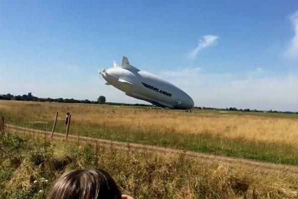 Самое огромное воздушное судно повредилось впроцессе тестов