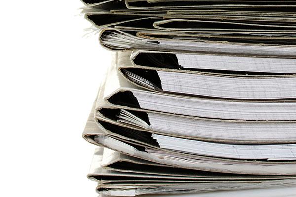 ВАК предложил обсуждать кандидатские и докторские диссертации в  Кандидатские диссертации будут вывешиваться в Интернете по меньшей мере за месяц до защиты а докторские за три месяца Фото depositphotos com