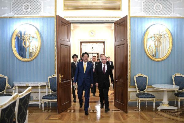 Абэ объявил орешимости добиться мирного контракта сРоссией