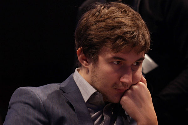 4-ая партия матча между шахматистами Карлсеном иКарякиным закончилась вничью