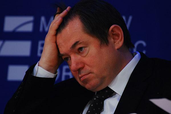 Помощник руководителя РФСергей Глазьев предложил заморозить курс рубля