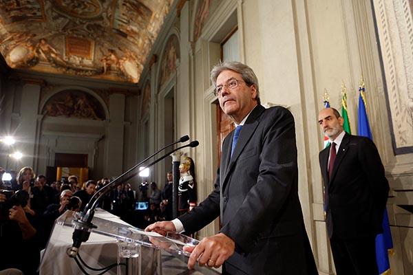 Президент Италии официально попросил руководителя МИДа Паоло Джентилони стать премьер-министром