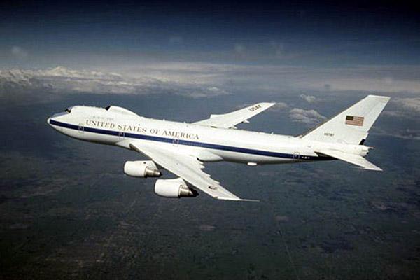 Самолеты «судного дня» E-4B получили повреждения в США при торнадо