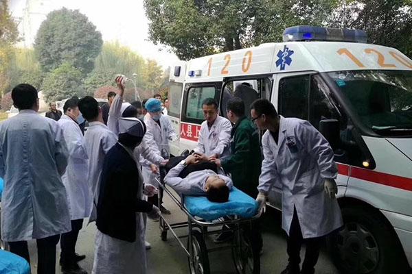 ВГонконге вДТП сперевернувшимся автобусом погибли 18 человек